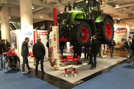 Stertil-Koni at Agritechnica 2019 in Hannover with EARTHLIFT Mobile Columns